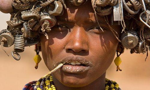 ETIOPIA / brak / Dolina Omo / Ja teraz to mam tyle na głowie.... ;-)