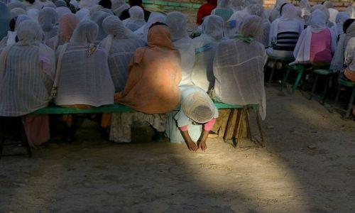 ETIOPIA / Północna Etiopia / Północna Etiopia gdzieś po drodze / Oświecona. Msza w Mekele