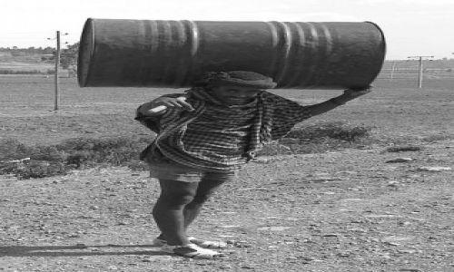 Zdjecie ETIOPIA / Północna - środkowa Etiopia / gdzieś blisko Addis Abbeby / Pusty przebieg nie ma racji bytu...