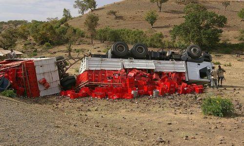 ETIOPIA / Północna - środkowa Etiopia / gdzieś po drodze / Wypadki chodzą po ludziach