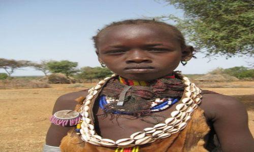 Zdjęcie ETIOPIA / brak / Turmi / Dziewczynka z plemienia Hamer