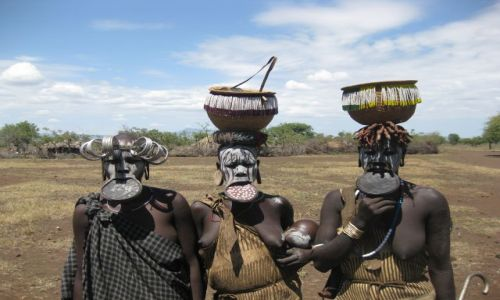Zdjecie ETIOPIA / omo river / wioska Mursi / MURSI WOMEN