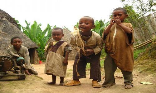 Zdjecie ETIOPIA / okolice Arba Minch / niedaleko Chencha / Dzieci z wioski Dorsi