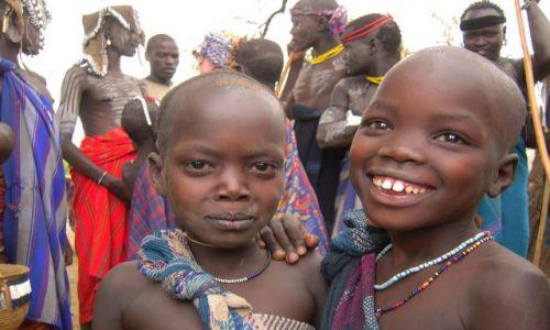 Zdjęcie ETIOPIA / pd. Etiopia / Wioska plemienia Mursi w Mago National Park / Chłopcy z plemienia Mursi