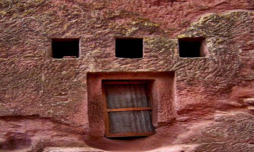 Zdjecie ETIOPIA / pn. Etiopia, Lalibela / Kościół wykuty w skale w XI-XII w. / Konkurs