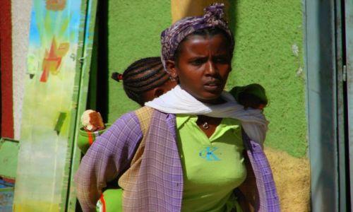 Zdjęcie ETIOPIA / Gandor / Gandor / Bagaż  na  plecach
