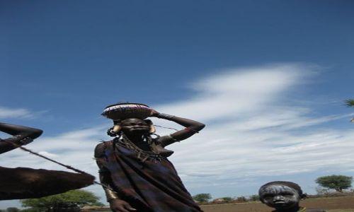 Zdjęcie ETIOPIA / OMO VALLEY / wioska Mursi w Parku Mago / MURSI