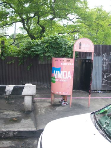 Zdjęcia: Manila, Filipiny , Publiczna toaleta w Manili , FILIPINY