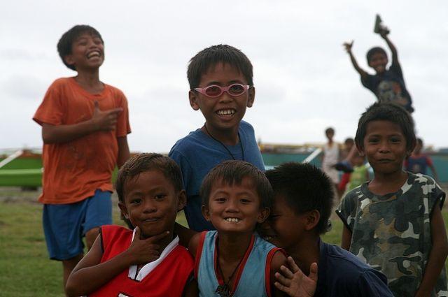 Zdjęcia: San Julian, Płn. Luzon, Koledzy z wioski, FILIPINY