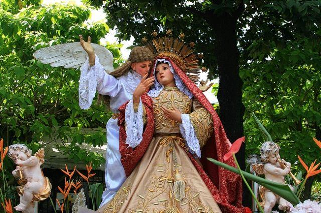 Zdjęcia: Intramuros - Manila, Pochód maryjek, FILIPINY