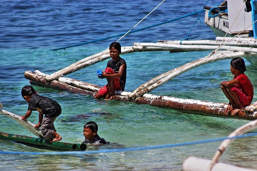 Zdjęcia: MALAPASCUA, MALAPASCUA, Bawią się :-), FILIPINY