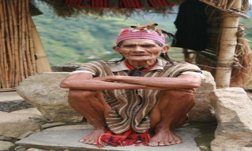 FILIPINY / Banaue / Batad / Rolnik z Batad