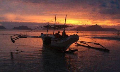 FILIPINY / Palawan / El Nido / Zachód słońca w El Nido