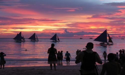 Zdjecie FILIPINY / - / Boracay / Wieczór