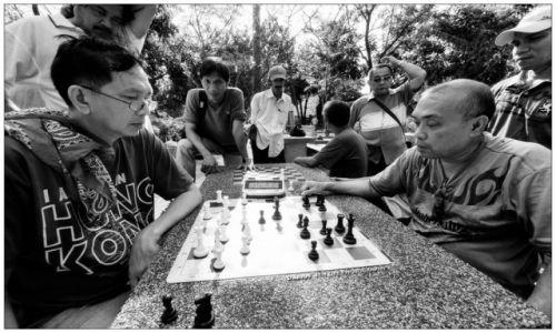 Zdjecie FILIPINY / Luzon / Manila - Rizal Park / Chess Match