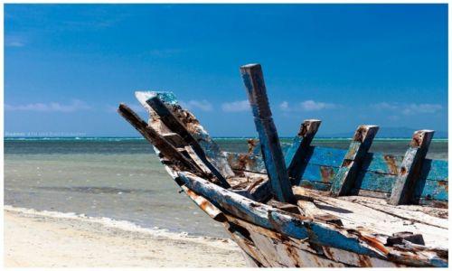 Zdjęcie FILIPINY / Cuyo Island / Cuyo / Old wooden Bangka