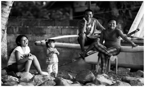 Zdjęcie FILIPINY / Mindanao / Camiguin / Sunday evening: a Camiguin family