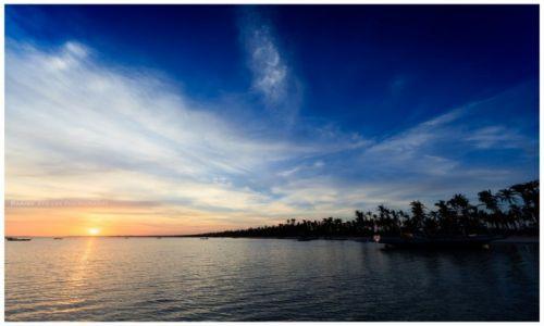Zdjęcie FILIPINY / Bantayan / Marikaban / Deep Blue Sky