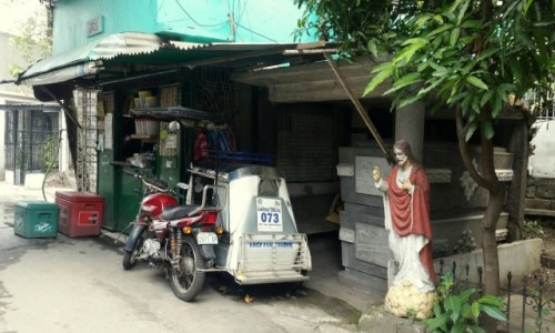 FILIPINY / Manila / Cmentarz Północny / Sklep
