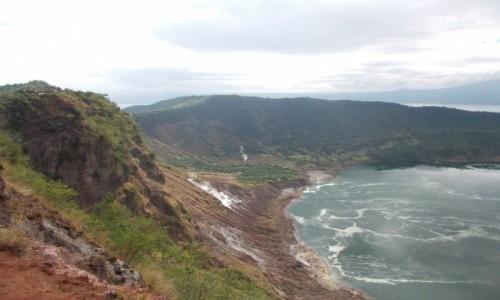 Zdjecie FILIPINY / Luzon / Wulkan Taal. / Wulkan Taal gotuje się w środku.