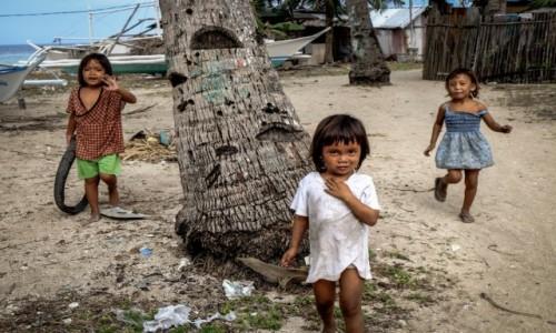 Zdjecie FILIPINY / Bantayan / Madridejos / wioska poławiaczy przegrzebków