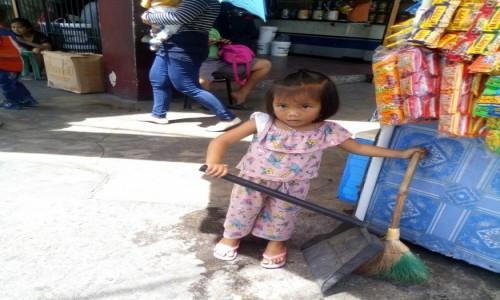 Zdjecie FILIPINY / Cebu / Cebu / choć mam rączki małe...