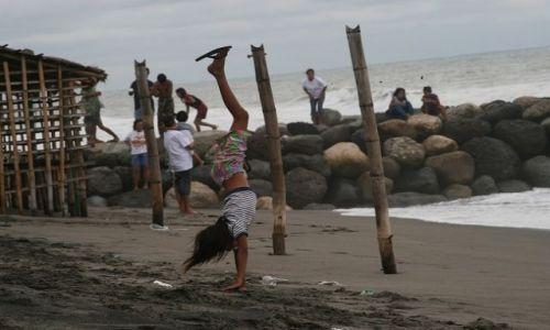 FILIPINY / brak / Luzon/Agoo / Na plaży w San Julian_