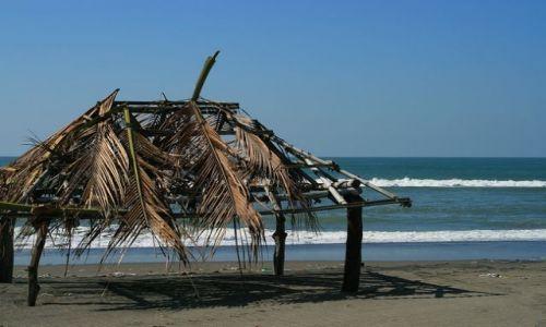 FILIPINY / Płn. Luzon / Agoo / Plaża w San Miguel