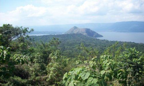 Zdjecie FILIPINY / taal volcano / taal volcano / w dordze na wulcan