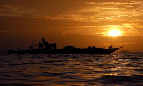 Zdjecie FILIPINY / Visayas / Nabangig / statek rybacki