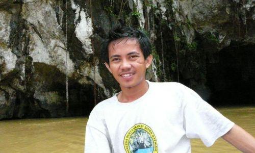 Zdjecie FILIPINY / sabang / przed jaskinia / przewodnik