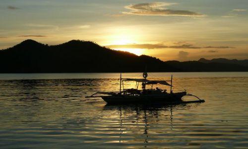 Zdjecie FILIPINY / Bosuanga / Coron / Romantyczny zachód słońca w Coron