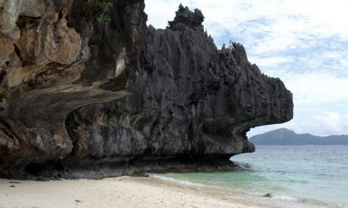 FILIPINY / Palawan / Simisu Island / ... fala ... też drąży ...