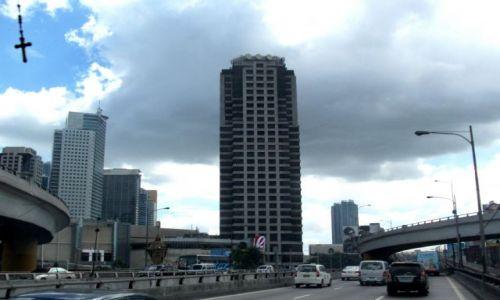 Zdjęcie FILIPINY / Manila / Manila / ... przez szybę ...