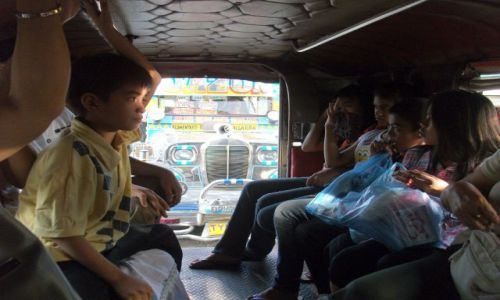 Zdjęcie FILIPINY / Manila / Manila / ... Jepney Mania .... ale nie wiem, która to ....
