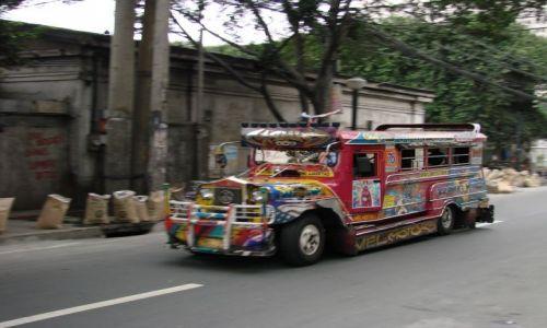 Zdjecie FILIPINY / -centralna / manila / kolorowy transport