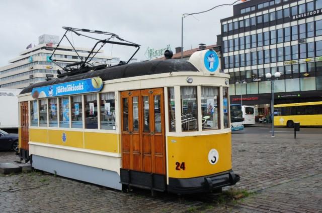 Zdjęcia: Turku - rynek, Turku, Ostatni tramwaj, FINLANDIA