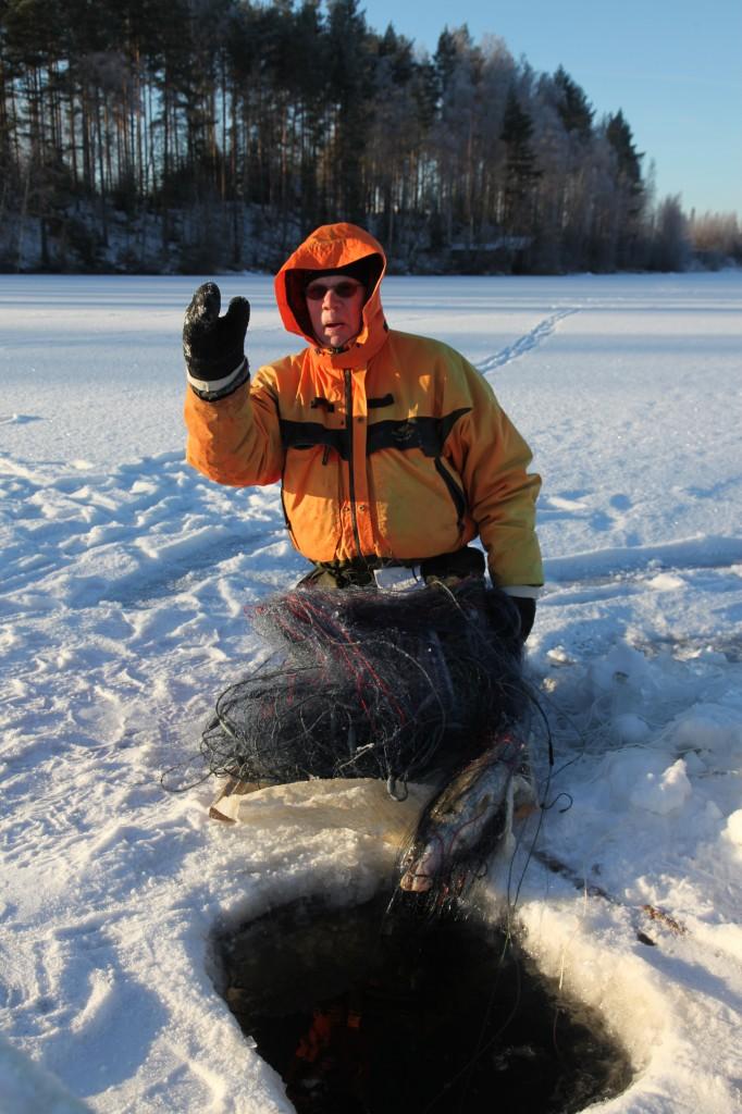 Zdjęcia: Vesanto, Pohjois-Savo, Jest - 25° C i jest ryba!, FINLANDIA