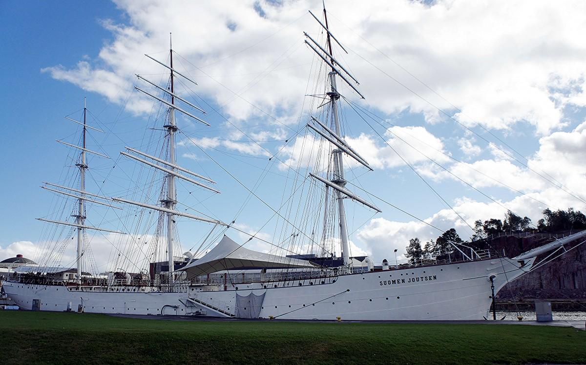 Zdjęcia: Port, Turku, Suomen Joutsen, czyli Fiński łabędź. Fregata, obecnie okręt-muzeum, FINLANDIA