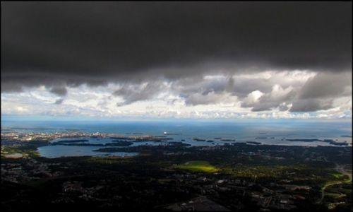 FINLANDIA / Południowa Finlandia / Helsinki / Chmury nad Helsinkami