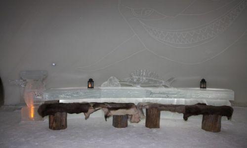 Zdjęcie FINLANDIA / Laponia / Kemi / Stół w pałacu lodowym