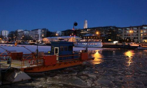 Zdjęcie FINLANDIA / Turku / Rzeka Aurajoki / Prom