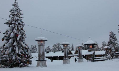 Zdjęcie FINLANDIA / Laponia / Rovaniemi / Latarnie na linii Koła Polarnego