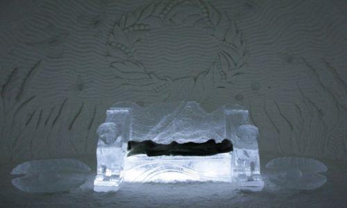 Zdjęcie FINLANDIA / Laponia / Kemi, hotel z lodu / Stylowy fotel