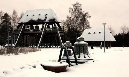 Zdjęcie FINLANDIA /  Oulu / Vaskikello / Muzeum dzwonów
