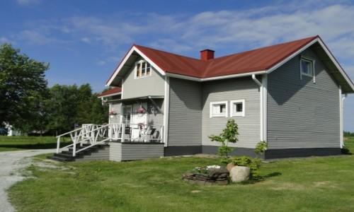 Zdjęcie FINLANDIA / Fińska Laponia / Okolice Kemi / Dom w lokalnym gospodarstwie agroturystycznym