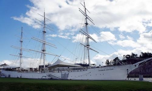 Zdjecie FINLANDIA / Turku / Port / Suomen Joutsen, czyli Fiński łabędź. Fregata, obecnie okręt-muzeum