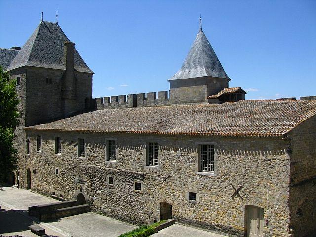 Zdjęcia: Carcassonne, Gaskonia, wielki dziedziniec zamku, FRANCJA