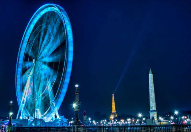 Zdjęcia: Place de la Concorde, Paris, Ferris Wheel - One of the two Luxor obelisks in the Place de la Concorde - The Eiffel Tower, FRANCJA
