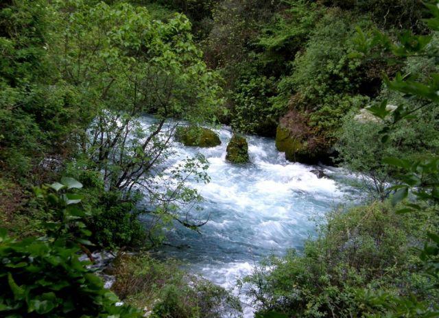 Zdjęcia: Fontaine de Vaucluse , Prowansja, Rzeka Sorgue 1, FRANCJA